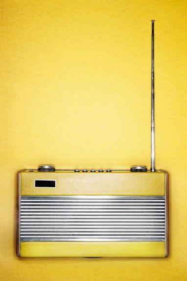 retroyelow radio