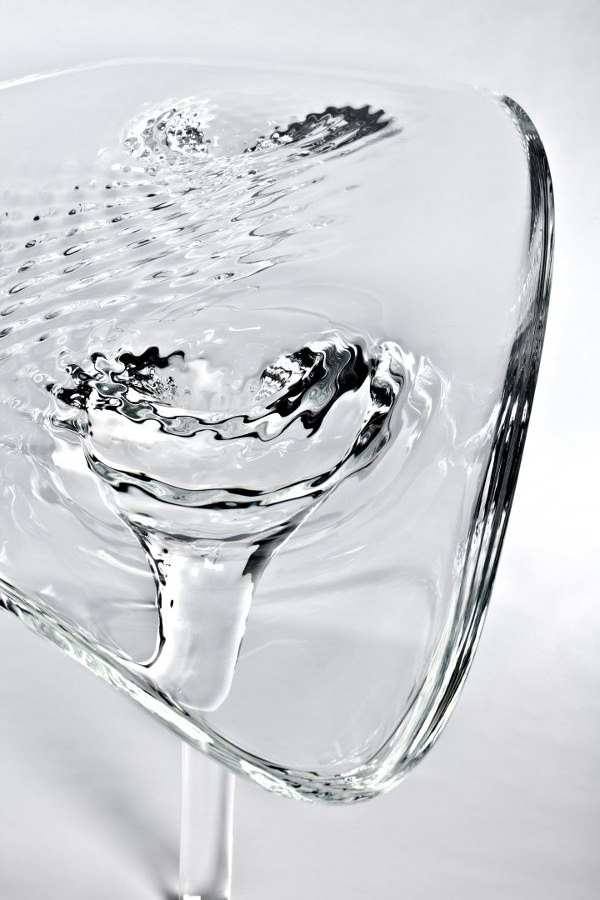 Table-d-eau-la-Liquid-Glacial-par-Zaha-Hadid-blog-espritdesign-5