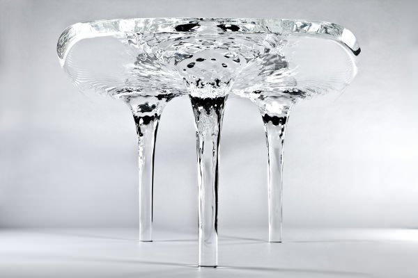 Table-d-eau-la-Liquid-Glacial-par-Zaha-Hadid-blog-espritdesign-7