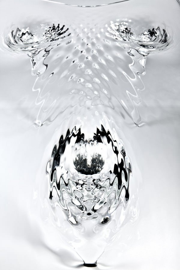 Table-d-eau-la-Liquid-Glacial-par-Zaha-Hadid-blog-espritdesign-8